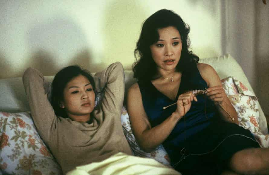 Michelle Krusiec as Wil and Joan Chen as Hwei-Lan in Saving Face