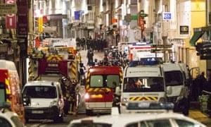 Anti-terrorist police raid apartment in Saint Denis, Paris.