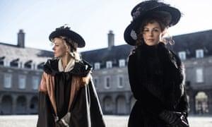 Chloe Sevigny and Kate Beckinsale in Love & Friendship