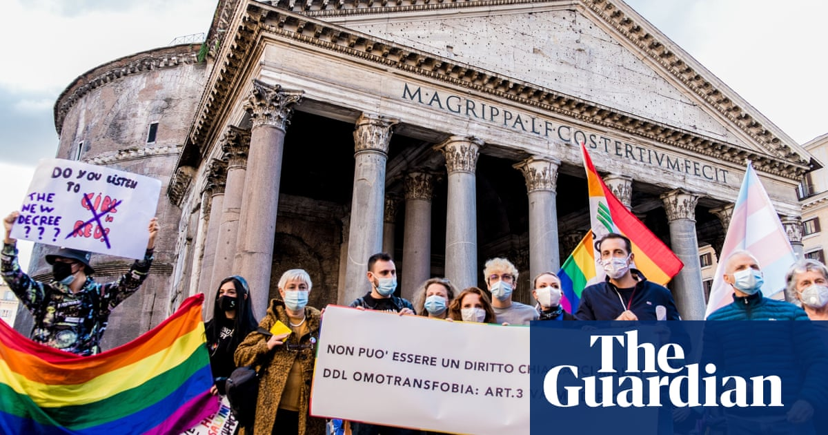 Attack on gay couple in Rome prompts calls for anti-homophobia law