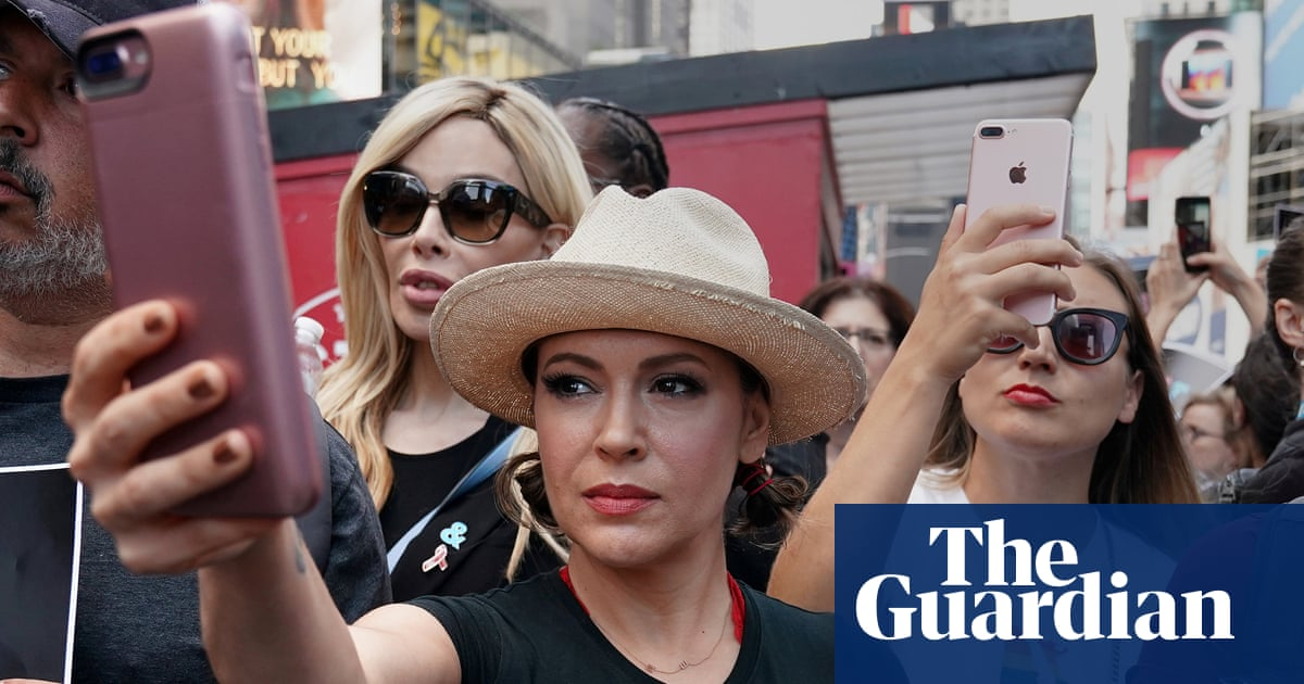 Metoo How A Hashtag Became A Rallying Cry Againstual Harassment World News The Guardian