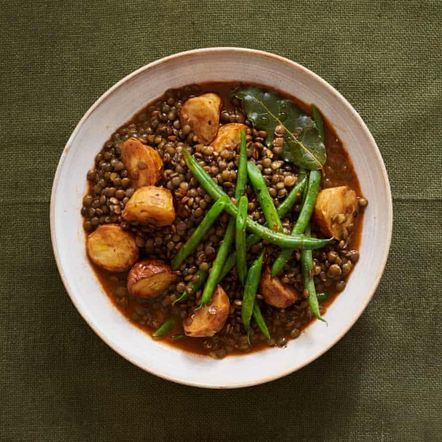 Nieves Barragán Mohacho's lentil and green bean stew.