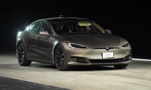 Tesla allows self-driving cars to break speed limit, again