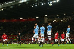 Marcus Rashford of Manchester United sends a free-kick over the wall and over the bar.