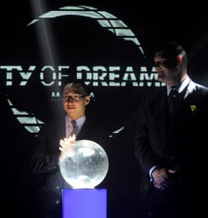 Lawrence Ho and James Packer at the launch of Manila's City of Dreams in 2013