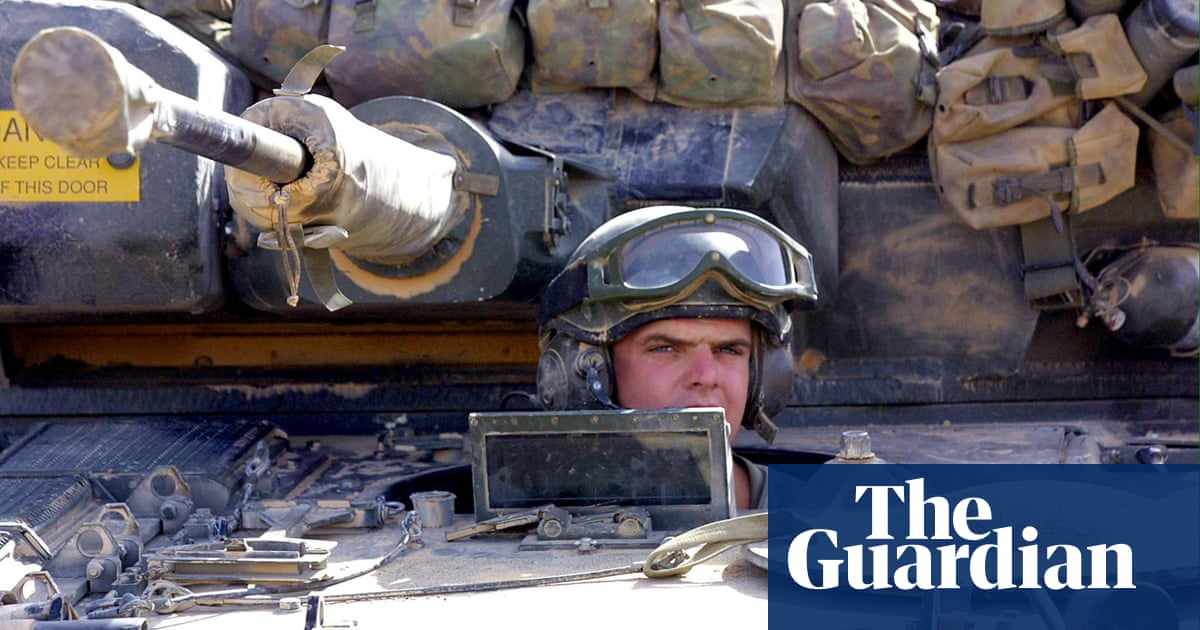 MoD pauses trials of £3.5bn army tank fleet over safety concerns