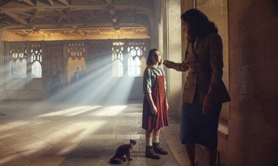 Dafne Keen as Lyra and Ruth Wilson as Mrs Coulter in His Dark Materials.