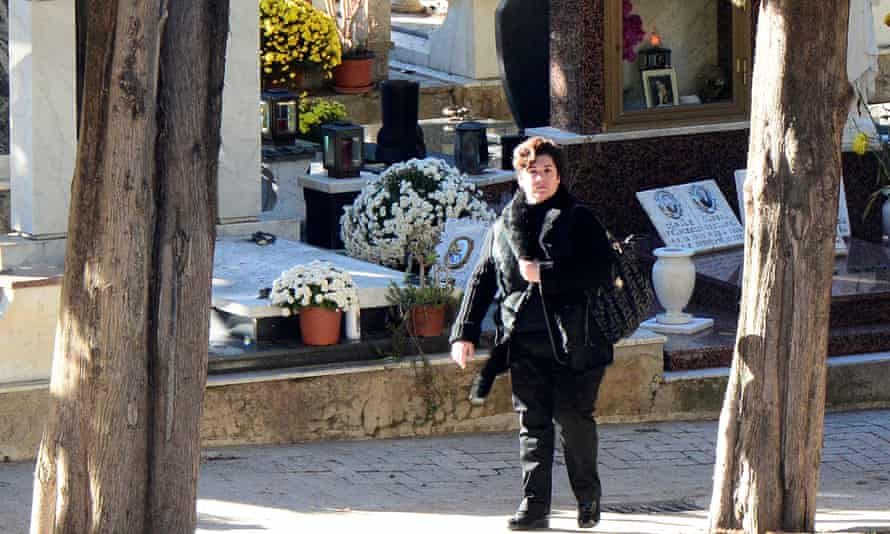 Maria Concetta at the funeral of her mobster father, Toto Riina.