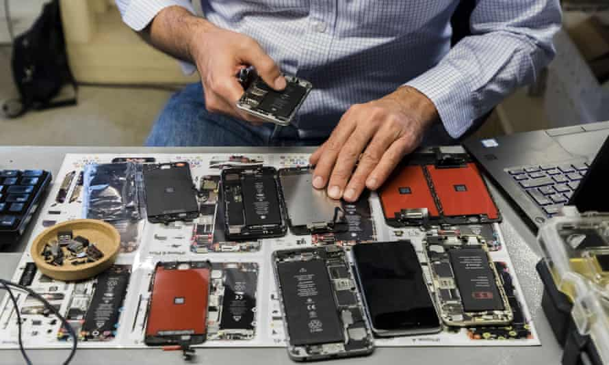 Highly skilled jobs could be created in repairing complex goods such as electronics and machinery.