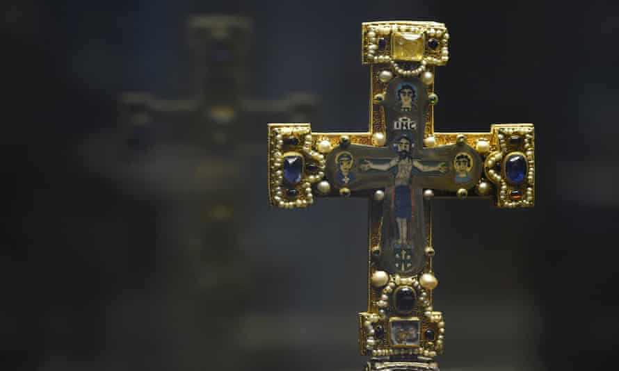 A cross from the Guelph Treasure.