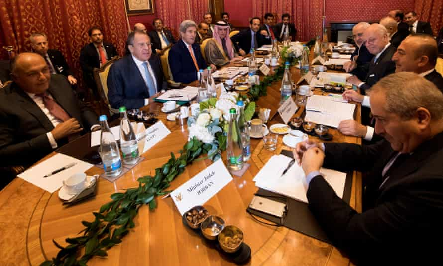 Foreign ministers meet to discuss Syria in Lausanne