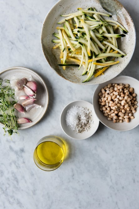 Ingredients for a quick courgette ratatouille with crispy haricot beans tray bake