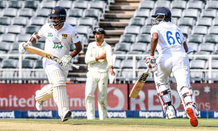 Dimuth Karunaratne bats against South Africa