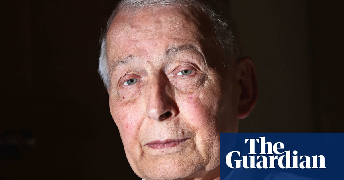 Former MP Frank Field reveals he is dying at assisted dying bill reading