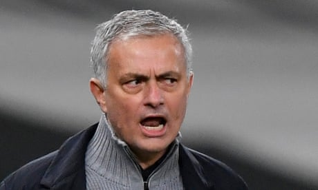 José Mourinho brushes off Arsenal by insisting he only 'looks up' league table