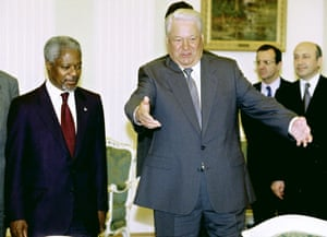 The Russian president, Boris Yeltsin, welcomes Annan before their meeting in Moscow in June 1999.