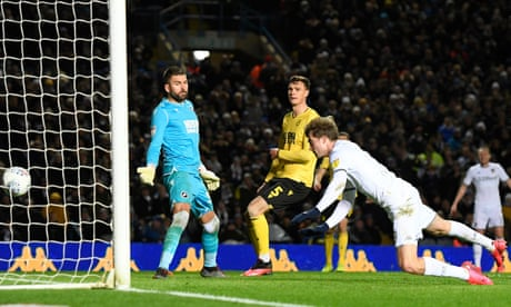 Championship: Bamford at the double to leapfrog Leeds over West Brom