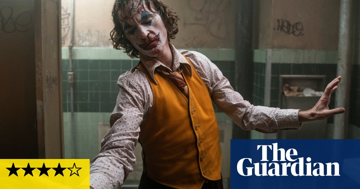 Joker review – an ace turn from Joaquin Phoenix