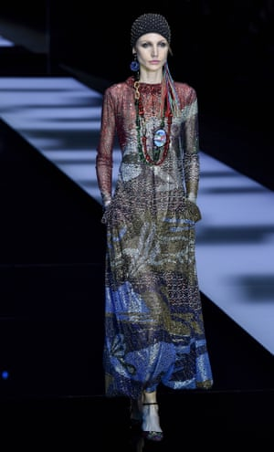 The show featured a floor-length, multi-coloured chainmail showstopper