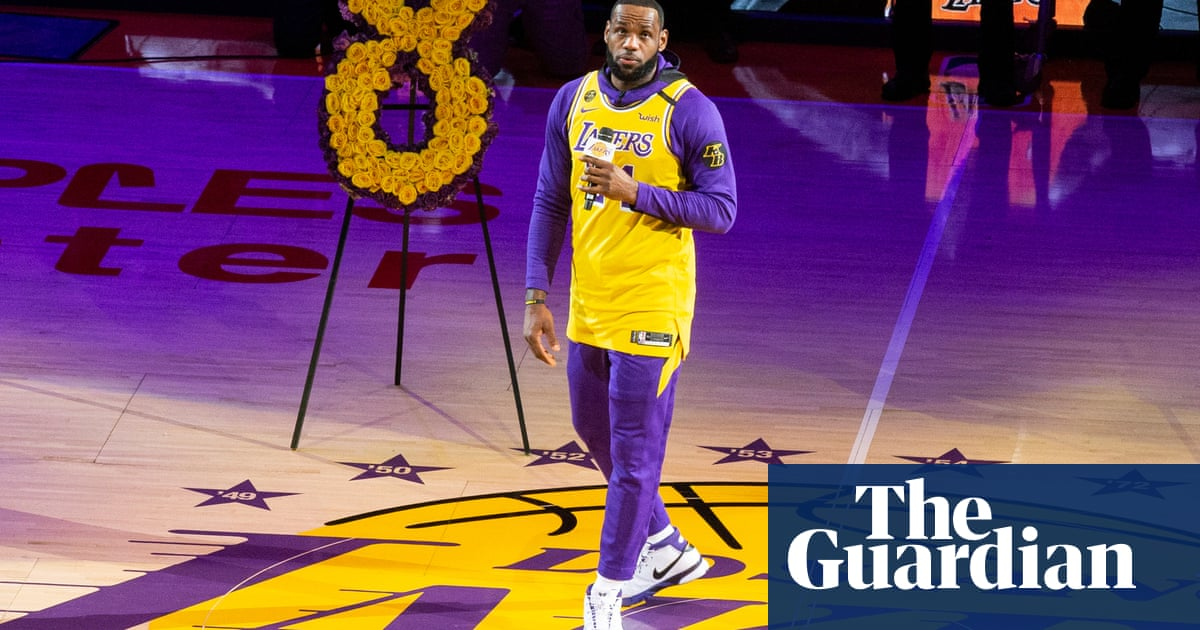 LeBron honors Kobe with emotional speech in LA Lakers first game back