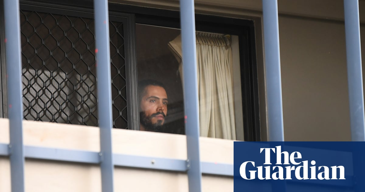 Asylum seekers forcibly removed from Brisbane hotel, supporters say