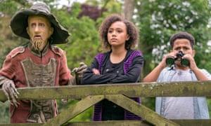 Mackenzie Crook as Worzel Gummidge, with India Brown as Susan and Thierry Wickens as John