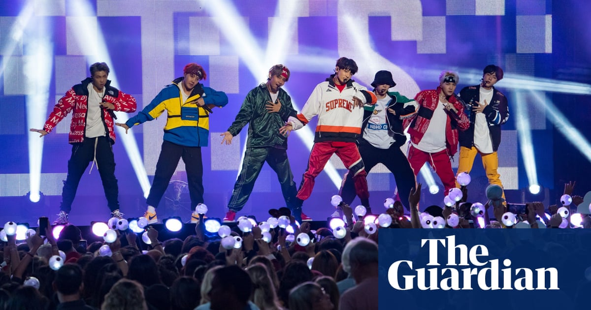 BTS should apologise to Japan and Nazi victims, says rabbi