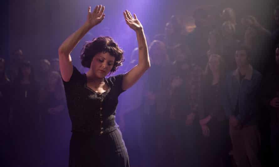 The old Audrey is back... Sherilyn Fenn in Twin Peaks.