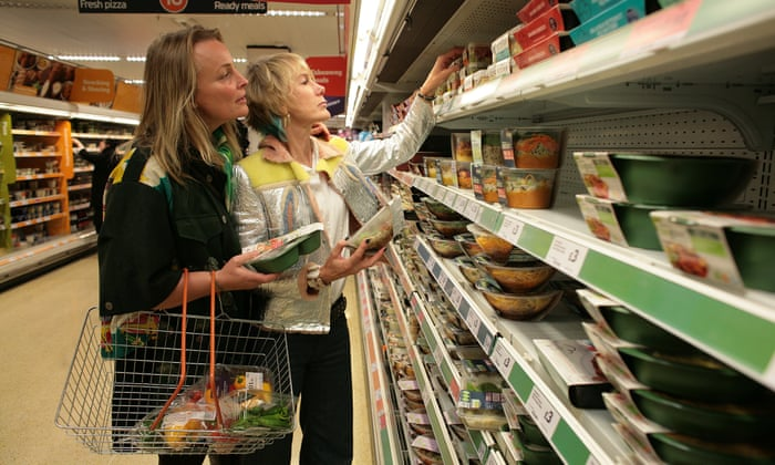 worlds first plastic free aisle opens in netherlands supermarket environment the guardian