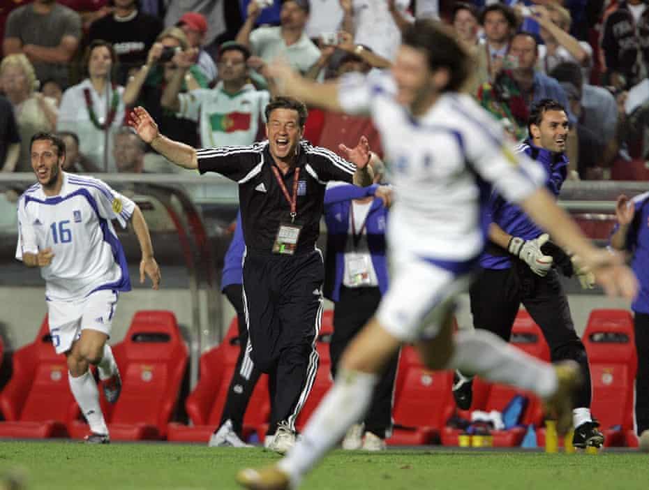 Ο Otto Rehhagel και η ελληνική του ομάδα νίκησαν τη Γαλλία, την ταλαντούχα τσεχική ομάδα και την Πορτογαλία δύο φορές στο δρόμο τους για να κερδίσουν τον τίτλο.