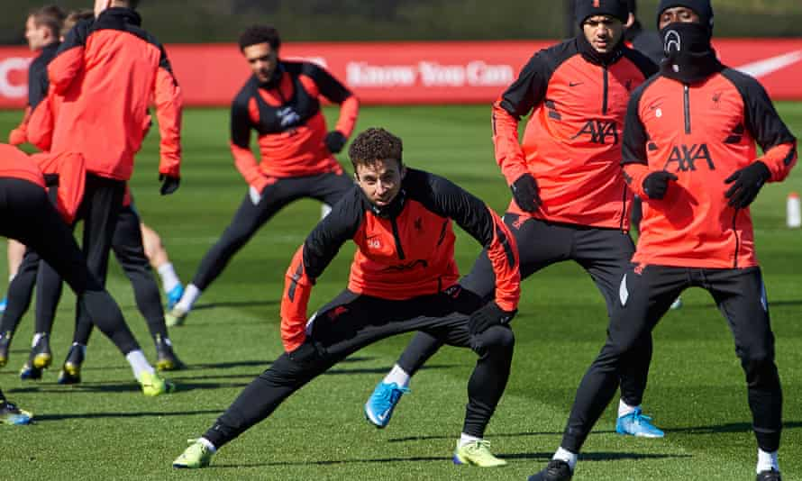 Diogo Jotafronts up Liverpool's last training session before facing Real Madrid.