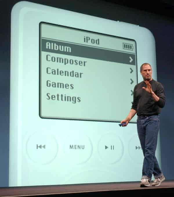 Steve Jobs introduces the second-generation iPod in 2003.
