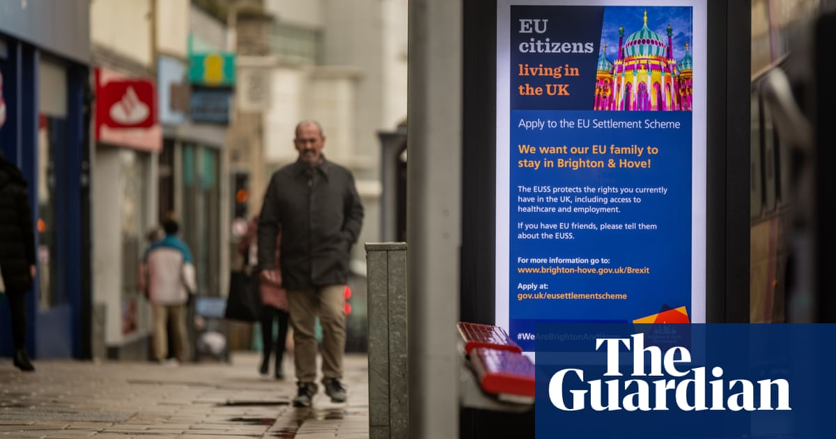 Tell us: are you an EU citizen waiting to be granted settled status in the UK?