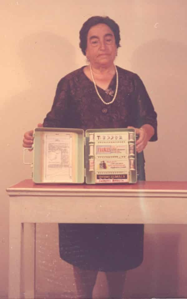 Ruiz Robles with her invention.