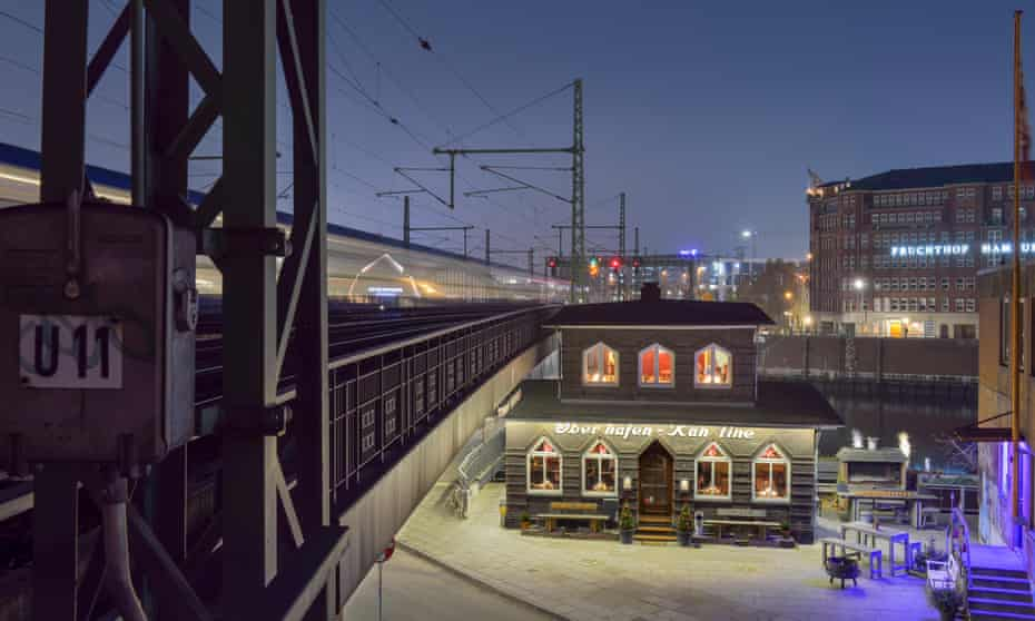 Germany, Hamburg, listed building Oberhafenkantine at night
