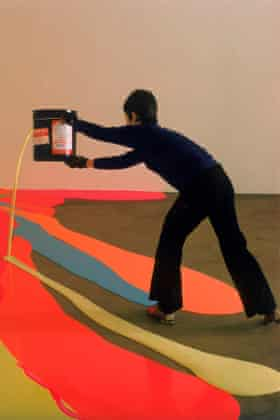 Inspired by the 'shocking colours' of Chinatown … Benglis at work in 1969.