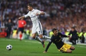 Ronaldo is challenged by Lucas Hernandez.