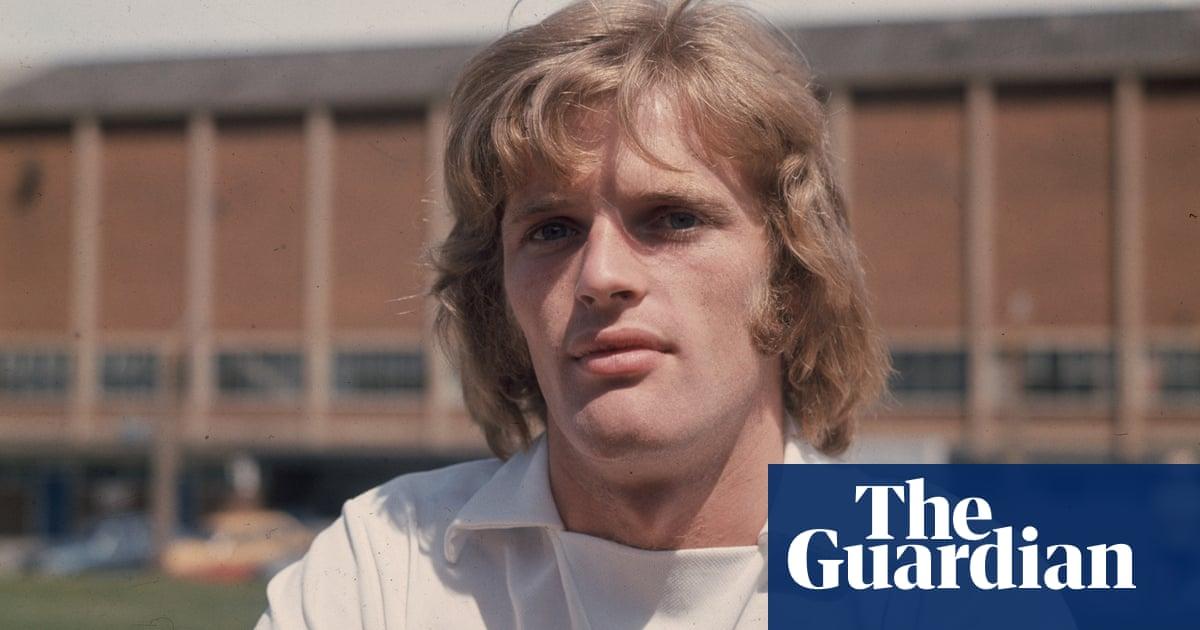 Former Scotland defender Gordon McQueen diagnosed with dementia