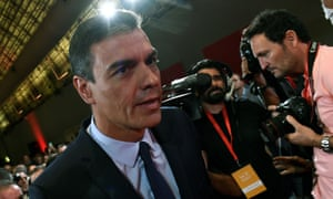 Pedro Sánchez arrives in Madrid to give a press conference