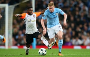 Fred challenges Kevin De Bruyne during Shakhtar's Champions League clash with Manchester City last season.