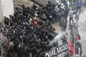 Washington Police use pepper spray on protesters, blocks from the inauguration