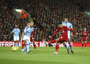 Firmino shoots, but it's straight at Bravo.
