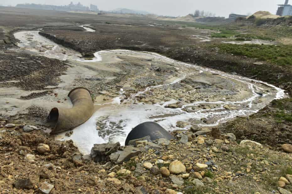 Wastewater outfall near Sateri Fiber and Jiujiang Jinyuan Chemical Fiber viscose plants in Jiangxi, China