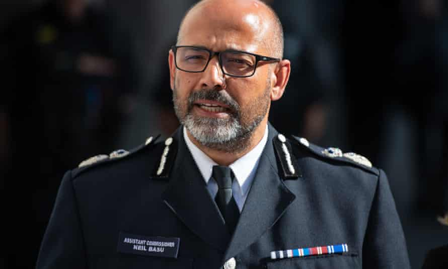Assistant commissioner Neil Basu has issued a statement clarifying that the force did not want to stop the press from publishing stories.