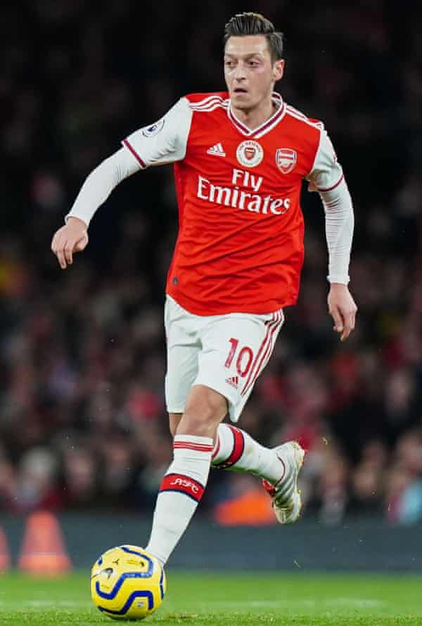 Arsenal midfielder Özil before his substitution in the game against Manchester City on 15 December.