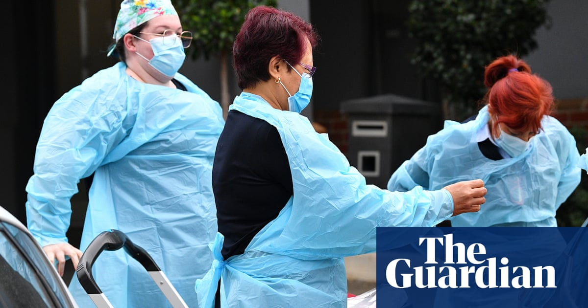 Federal government urged months ago to fund paid leave for aged care staff vaccination