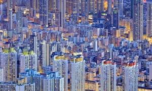A striking image of Hong Kong at dusk.