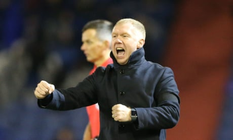 Paul Scholes gets off to a flyer at Oldham with 4-1 win over Yeovil