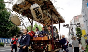 Real Tokyo: Torigoe shrine festival.