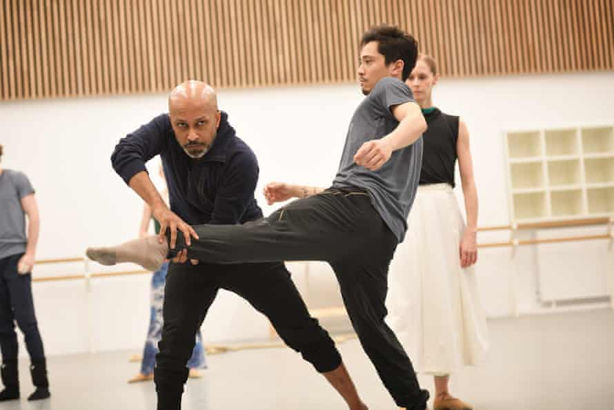 Akram Khan and Jeffrey Cirio in rehearsals for Creature.